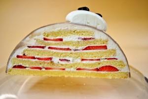 パティスリー フレーズ・フレーズの3D(立体)キャラクターケーキの断面