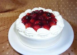 パティスリー フレーズ・フレーズの生クリームデコレーションケーキ